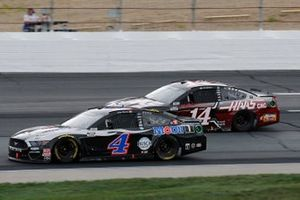 Kevin Harvick, Stewart-Haas Racing, Mobil 1 Ford Mustang, Clint Bowyer, Stewart-Haas Racing, Haas Automation Ford Mustang