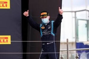 Race Winner Dan Ticktum, Dams celebrates on the podium