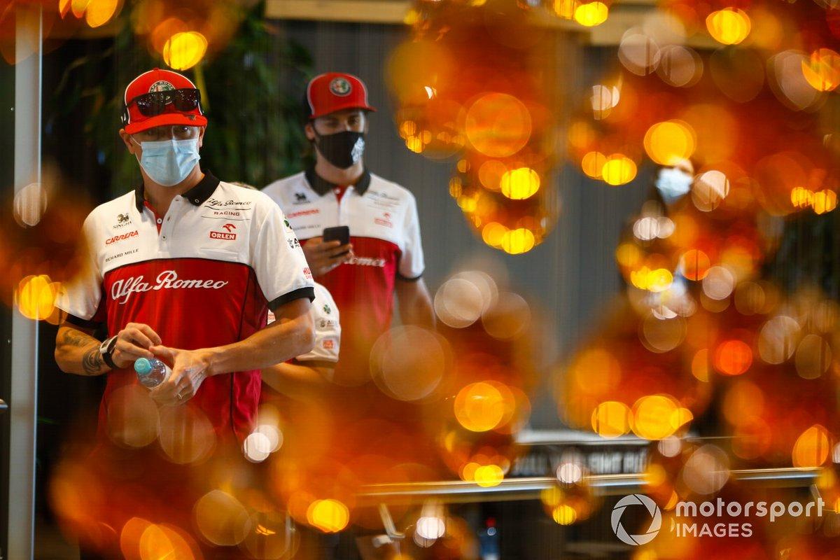 Kimi Raikkonen, Alfa Romeo, e Antonio Giovinazzi, Alfa Romeo