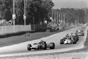 Jackie Stewart, March 701 Ford, Jackie Oliver, BRM P153