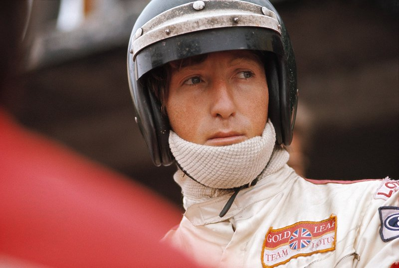 Su debut tuvo lugar en 1964, en el GP de Austria, donde se vio obligado a retirarse por un problema de dirección en la vuelta 59 (de105). A pesar de haber llegado a la F1, Rindt corrió simultáneamente en otras categorías, como la Fórmula 2