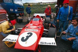 Jacky Ickx' Ferrari 312B2 in the paddock