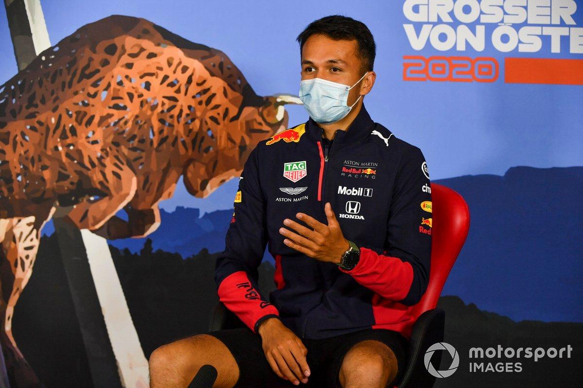 Alex Albon, Red Bull Racing durante la conferenza stampa