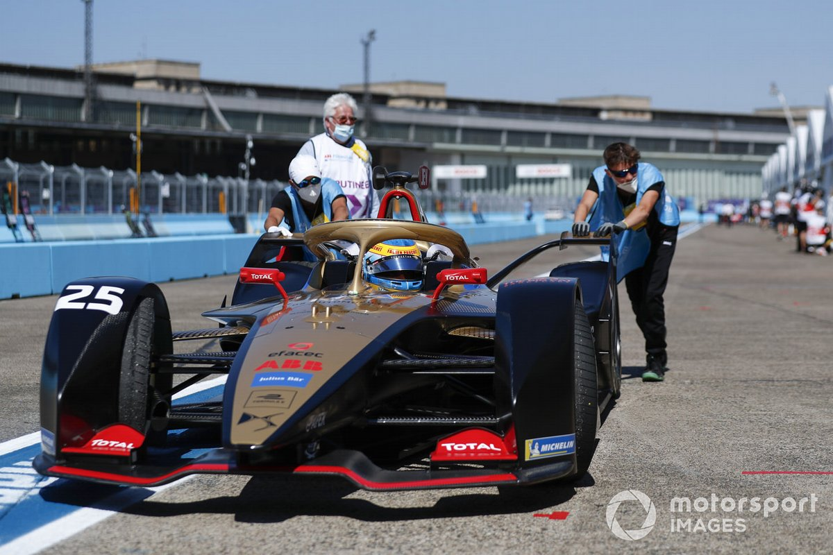 Jean-Eric Vergne, DS Techeetah, DS E-Tense FE20 is pushed along the pitlane