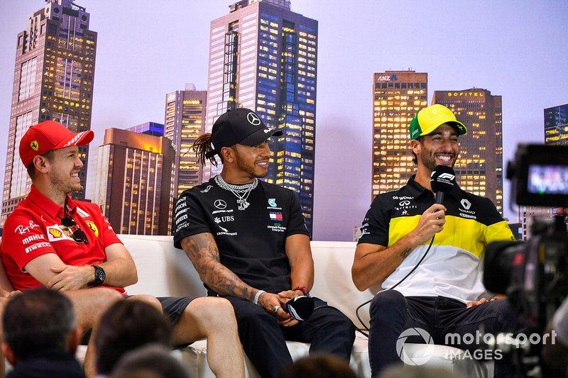 Sebastian Vettel, Ferrari, Lewis Hamilton, Mercedes-AMG Petronas F1, e Daniel Ricciardo, Renault F1 in conferenza stampa
