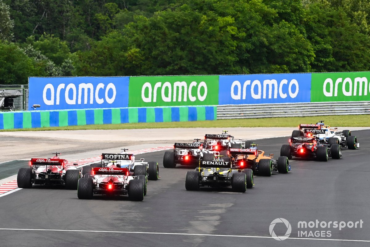 Antonio Giovinazzi, Alfa Romeo Racing C39, Kimi Raikkonen, Alfa Romeo Racing C39 al inicio