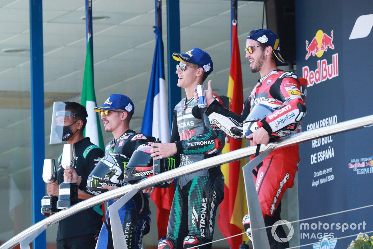 Ganador de la carrera Fabio Quartararo, Petronas Yamaha SRT, segundo lugar Maverick Viñales, Yamaha Factory Racing, tercer lugar Andrea Dovizioso, Ducati Team