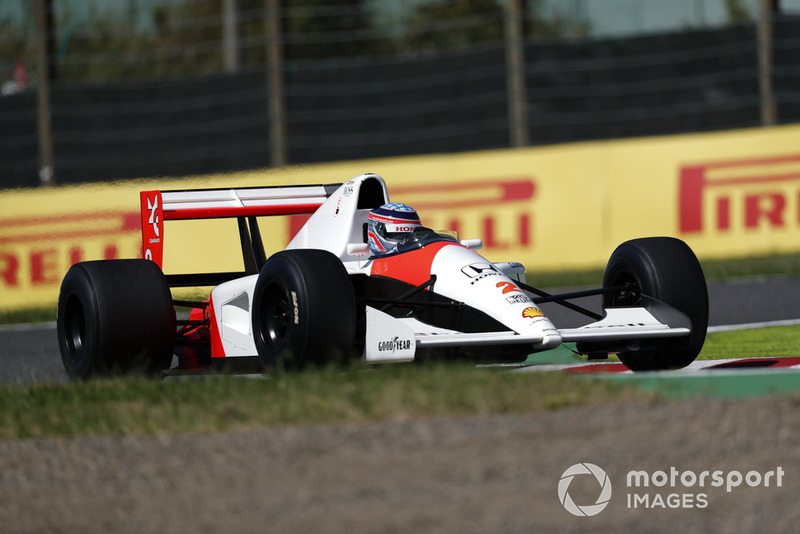 Takuma Sato, McLaren Honda MP4-7A lors des Legends F1 30th Anniversary Lap Demonstration