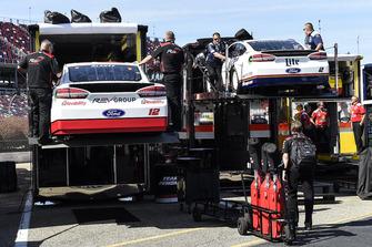Ryan Blaney, Team Penske, Ford Fusion REV, Brad Keselowski, Team Penske, Ford Fusion Miller Lite