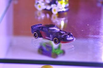 Diecast Nissan Fairlady S30 Hot Wheels