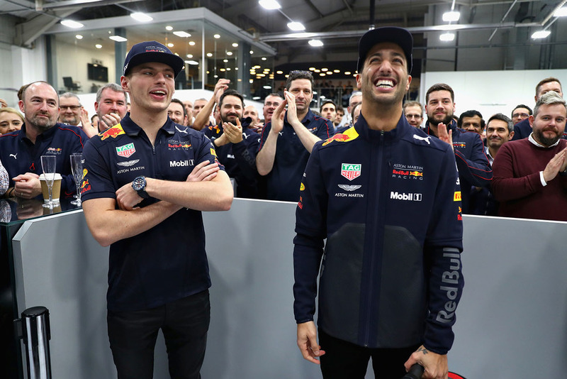 Daniel Ricciardo, Red Bull Racing, y Max Verstappen, Red Bull Racing