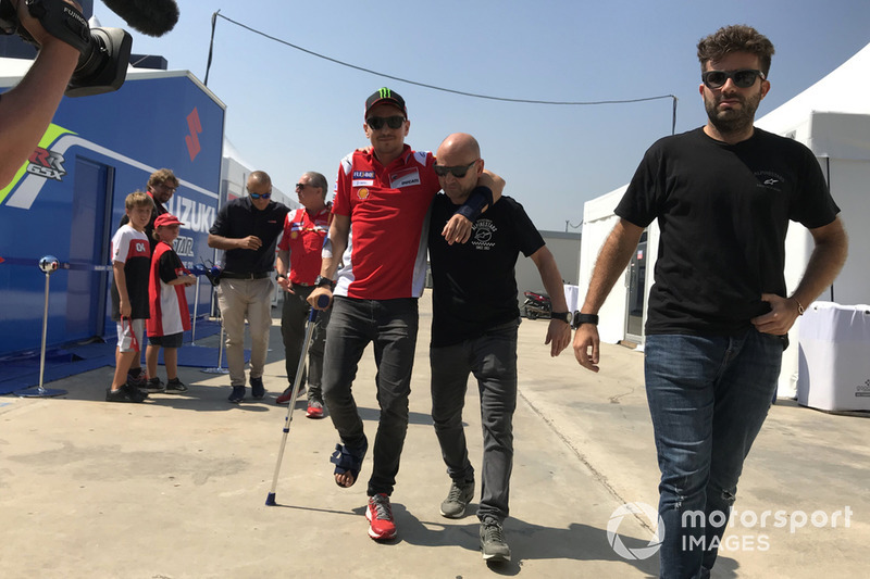 Jorge Lorenzo, Ducati Team injured after crash