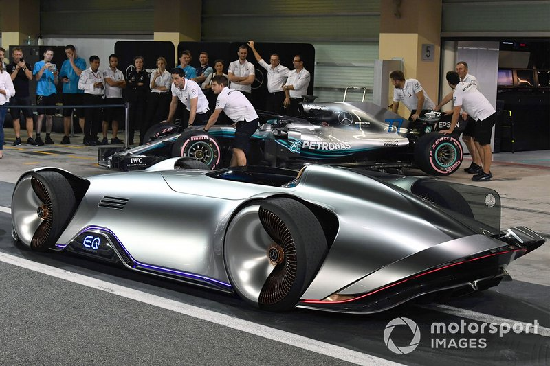 Le concept-car Mercedes-Benz EQ Silver Arrow