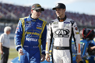 Michael McDowell, Front Row Motorsports, Ford Fusion Speedco/Rotella, Trevor Bayne, Roush Fenway Racing, Ford Fusion AdvoCare Rehydrate