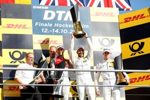 Şampiyon Gary Paffett, Mercedes-AMG Team HWA, 2. René Rast, Audi Sport Team Rosberg, 3. Paul Di Resta, Mercedes-AMG Team HWA, Ullrich Fritz, Takım Patronu Mercedes-AMG HWA