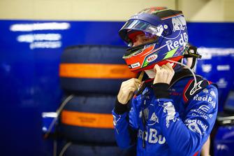 Brendon Hartley, Toro Rosso, ajuste son casque