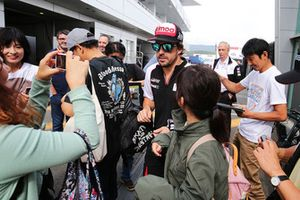 Fernando Alonso, Toyota Gazoo Racing with young fans