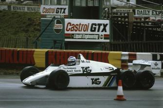 Keke Rosberg, Williams FW08B à 6 roues