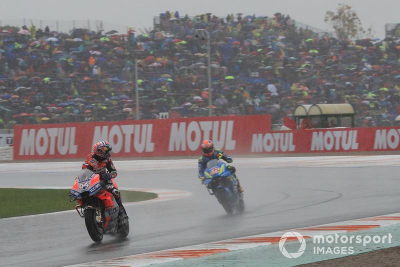 Il vincitore della gara Andrea Dovizioso, Ducati Team, il secondo classificato Alex Rins, Team Suzuki MotoGP