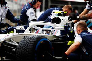 Sergey Sirotkin, Williams FW41, avec ses mécaniciens dans les stands