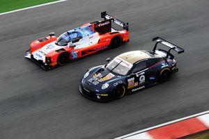 #80 Ebimotors Porsche 911 RSR: Fabio Babini, Riccardo Pera, Bret Curtis, #30 AVF by Adrian Valles Dallara P217 - Gibson: Konstantin Tereschenko, Henrique Chaves