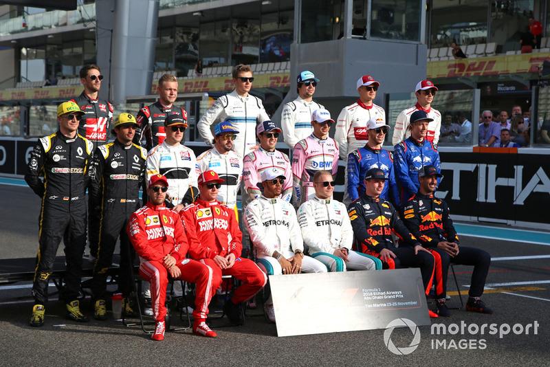 Впервые в истории Формулы 1 за весь сезон составы участников чемпионата вообще не претерпели изменений