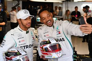 Will Smith selfie with Lewis Hamilton, Mercedes AMG F1