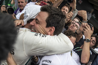 Toto Wolff, Mercedes AMG F1 Director of Motorsport and Lewis Hamilton, Mercedes AMG F1 celebrate in Parc Ferme