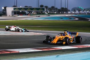 Fernando Alonso, McLaren MCL33 voor Charles Leclerc, Sauber C37