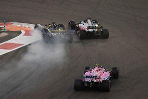 Crash Nico Hulkenberg, Renault Sport F1 Team R.S. 18 en Romain Grosjean, Haas F1 Team VF-18