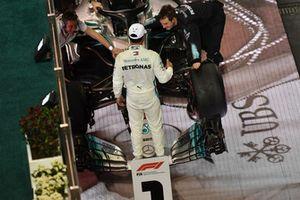 Race winner Lewis Hamilton, Mercedes-AMG F1 W09 celebrates in Parc Ferme