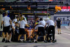 Fernando Alonso, McLaren Renault pit stop