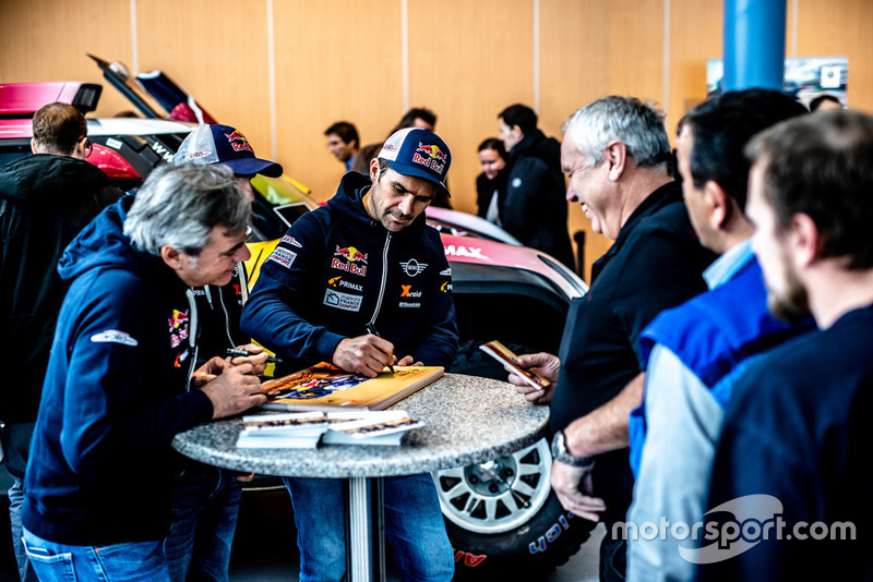 Cyril Despres, Carlos Sainz, MINI John Cooper Works Buggy shakedown