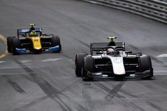 Nyck De Vries, ART Grand Prix e Luca Ghiotto, UNI Virtuosi Racing
