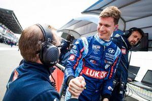 Pole sitter Nicky Catsburg, BRC Hyundai N LUKOIL Racing Team Hyundai i30 N TCR
