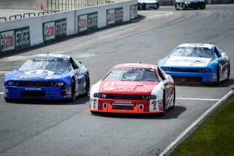 #74 Kevin Lacroix leads #27 Andrew Ranger and #59 Gary Klutt