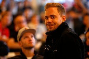 #6 Mercedes- AMG GT3, Mercedes-AMG Team Black Falcon: Nico Bastian