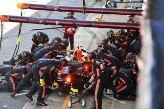 Pierre Gasly, Red Bull Racing RB15, makes a pit stop