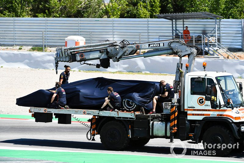 Car of Dan Ticktum, Red Bull Racing RB15 on a low loader