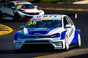 #35 Alliance Autosport, Alexandra Whitley, Volkswagen Golf GTI