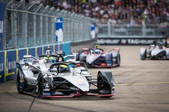 Oliver Rowland, Nissan e.Dams, Nissan IMO1, Alexander Sims, BMW I Andretti Motorsports, BMW iFE.18