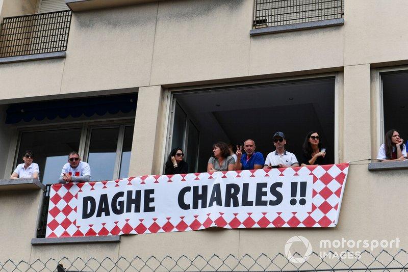 Supporto per Charles Leclerc, Ferrari