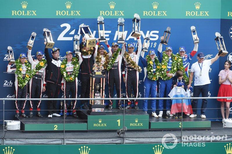 Podium: 1. #8 Toyota Gazoo Racing Toyota TS050: Sébastien Buemi, Kazuki Nakajima, Fernando Alonso, 2. #7 Toyota Gazoo Racing Toyota TS050: Mike Conway, Kamui Kobayashi, Jose Maria Lopez, 3. #11 SMP Racing BR Engineering BR1: Mikhail Aleshin, Vitaly Petrov, Stoffel Vandoorne