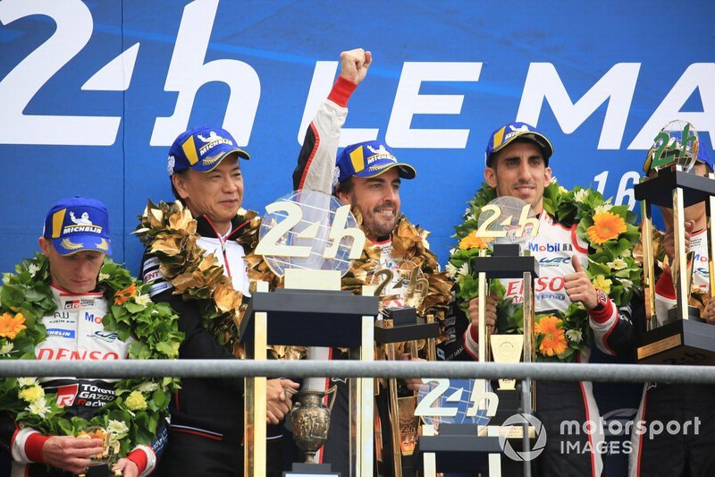 Los ganadores, #8 Toyota Gazoo Racing Toyota TS050: Sébastien Buemi, Fernando Alonso