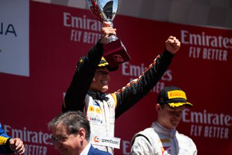 Podium: race winner Nyck De Vries, ART Grand Prix