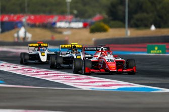 Marcus Armstrong, PREMA Racing, leads Max Fewtrell, ART Grand Prix and Christian Lundgaard (DNK ART Grand Prix