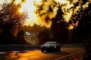 #37 AMR Performance Centre Aston Martin Vantage AMR GT4: Darren Turner, Jamie Chadwick, Peter Cate, Alexander Brundle
