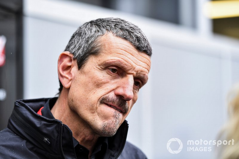 Guenther Steiner, Team Principal, Haas F1 parla con i media