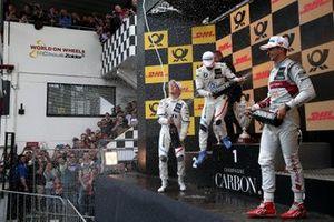 Podyum: Yarış galibi Philipp Eng, BMW Team RBM, 2. Joel Eriksson, BMW Team RBM, 3. Nico Müller, Audi Sport Team Abt Sportsline
