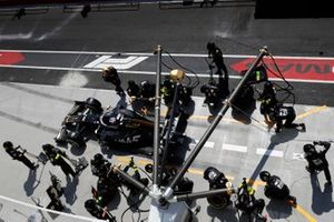 Romain Grosjean, Haas VF-19, leaves his pit box after a stop